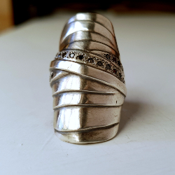 Mummy Ring Black Diamond