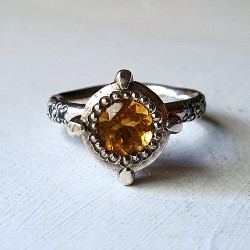 Victoria's Solataire – Citrine and Swiss Blue Topaz